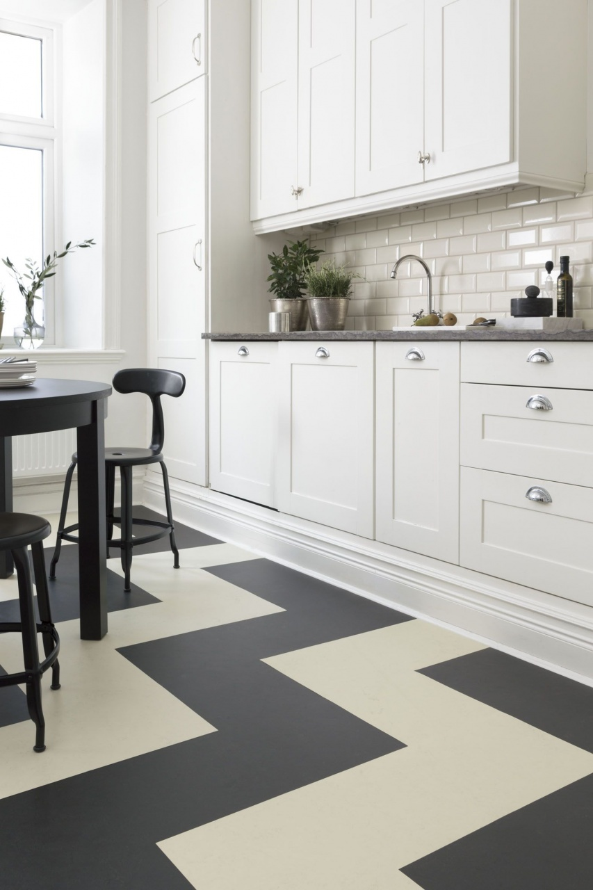 Best Vinyl Flooring For Kitchen 26 Awesome Kitchen Remodel Ideas Re Mended Style Equalmarriagefl Vinyl From Best Vinyl Flooring For Kitchen Pictures
