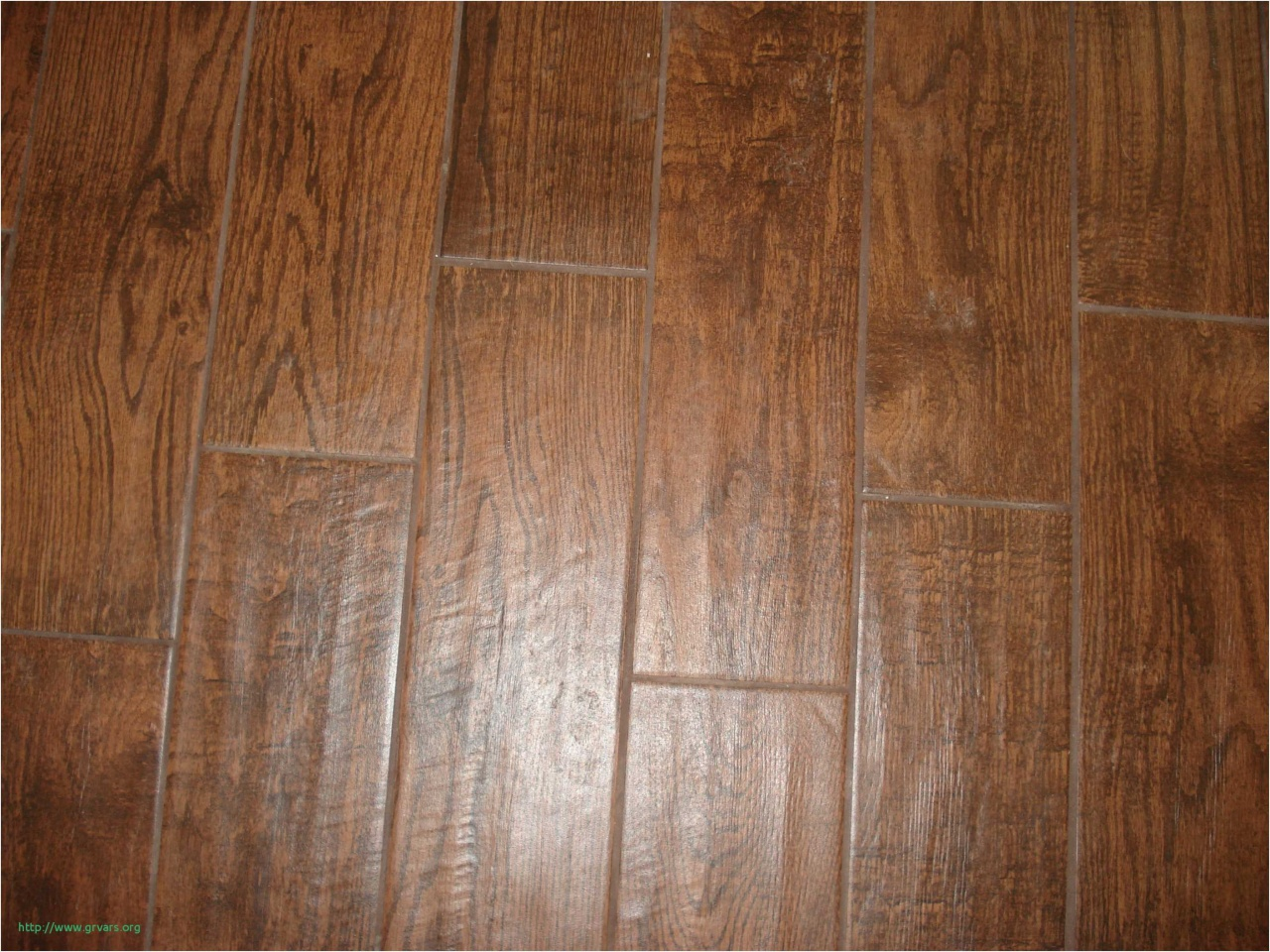 10 Lovely Bruce Hardwood Laminate