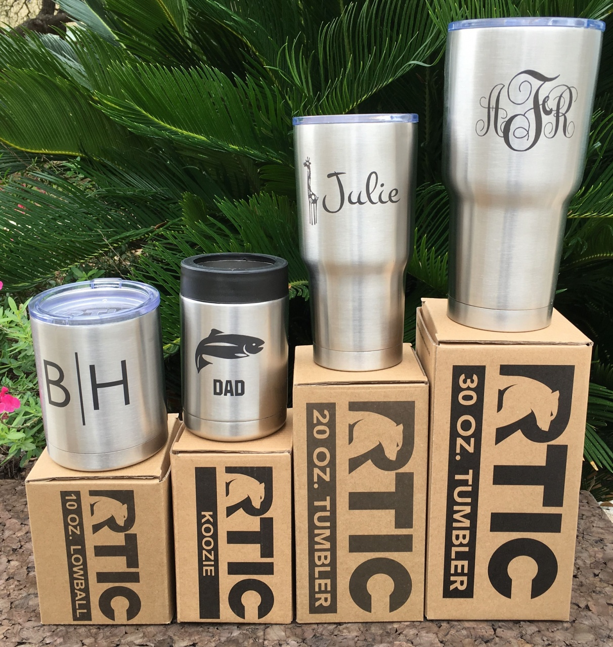 """Detroit Lions 3/"""" DECAL//STICKER for Yeti//Rtic////Tumbler//Coffee//Wine"""